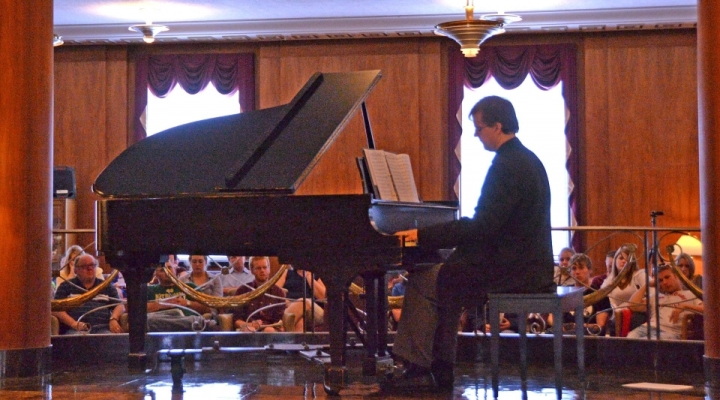Piano player at the LCUH Hispanic Heritage Month